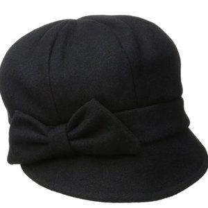 Women's wool hat with self-woven bow